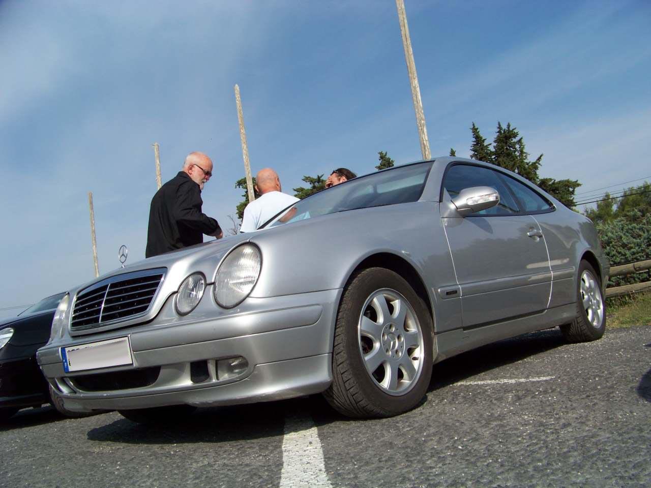 GRAND RASSEMBLEMENT DANS LE SUD DE LA FRANCE : SAMEDI 24 SEPTEMBRE 2011 100_4068
