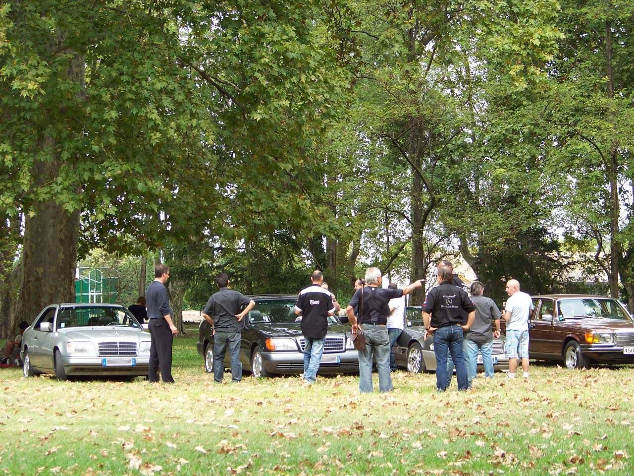 GRAND RASSEMBLEMENT DANS LE SUD DE LA FRANCE : SAMEDI 24 SEPTEMBRE 2011 100_4115